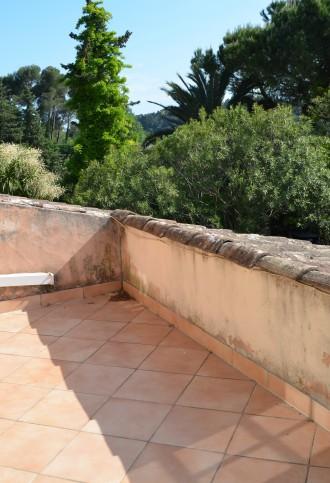 Première chambre donnant sur une belle terrasse